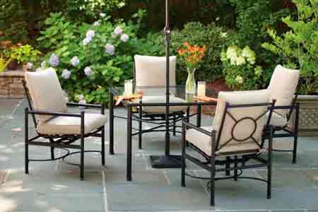 Terraza, conjunto de mesa y sillas, paisajismo VerdeConsciente